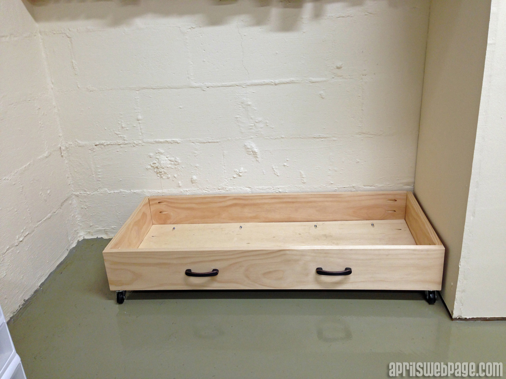 pull out drawer on casters